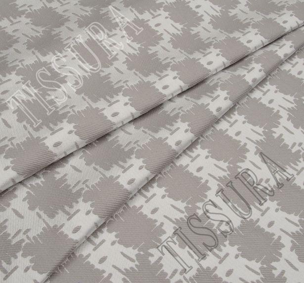 Жаккард двусторонний серо-белого цвета с абстрактным рисунком #2