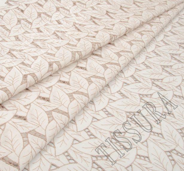 Поплин белого цвета с вышивкой в виде бежевых листьев #1