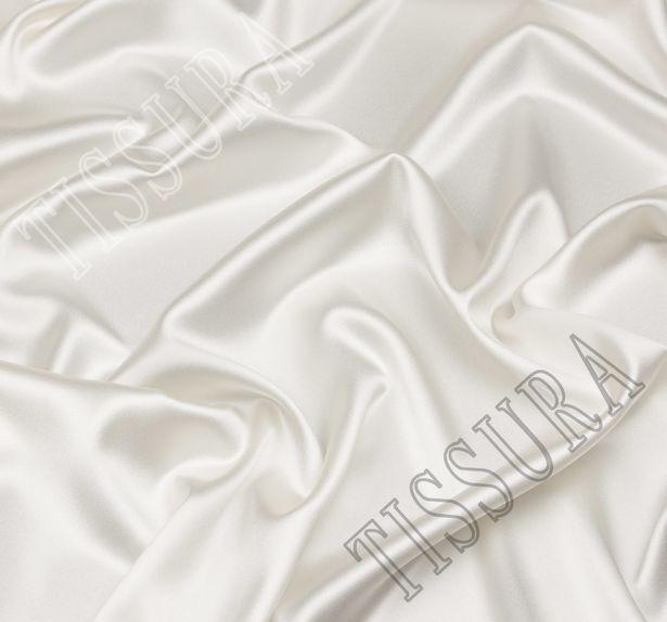 Итальянский атлас стрейч молочного оттенка из шелка с добавлением эластана #1