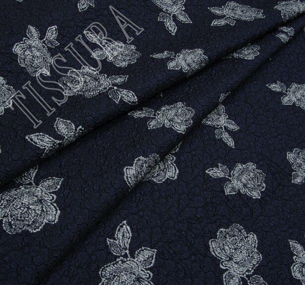 Жаккард темно-синего оттенка с цветами #1