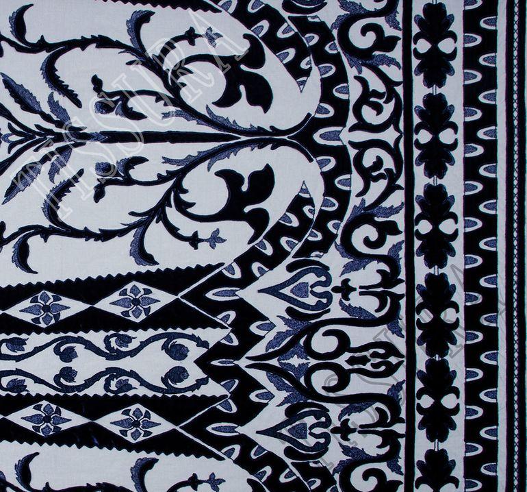 Сетка с вышивкой и бархатными вставками #3