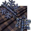 Клеточка… Она актуальна всегда. И во время листопада, и в дни, когда первый снег покрывает землю. В пересечении разноцветных линий можно увидеть свое настроение, подчеркнутое строгой графикой и игрой оттенков…