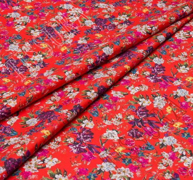 100% итальянский хлопок с растительным дизайном: синий, белый, розовый на красном фоне. #1