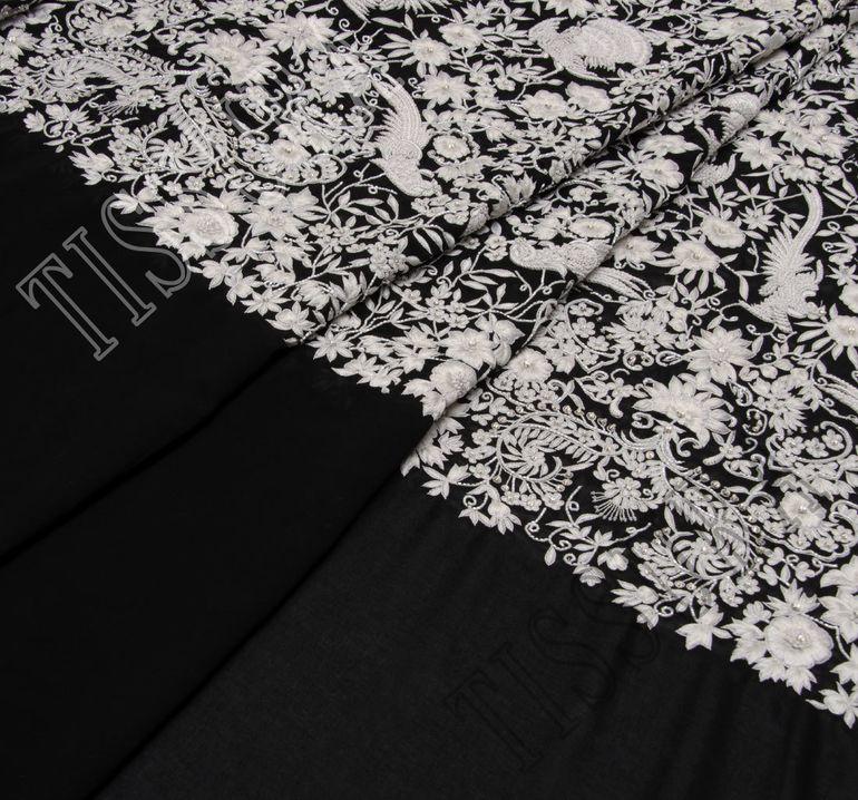 Ткань с вышивкой #1