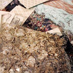 Сегодня в петербургском офисе «ТИССУРЫ» состоялась встреча с генеральным директором компании Fair Lady - нашим поставщиком уникальных тканей уровня Haute couture. Были представлены образцы из новой коллекции.