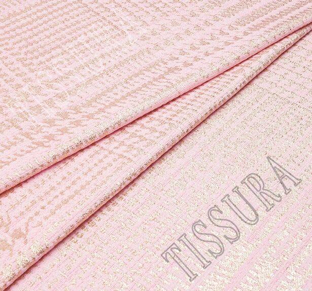 Жаккард-букле нежно-розового оттенка в золотистую клетку  #1