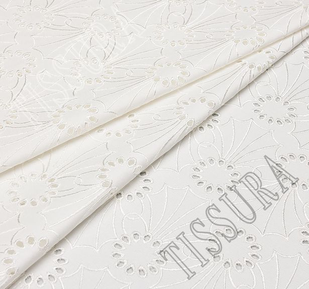 Джинсовая ткань с вышивкой «сангалло» молочного цвета из хлопка с эластаном #1