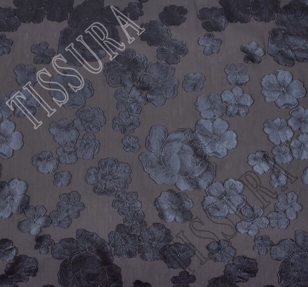 Органза-филькупе с тёмно-серыми цветами на чёрном фоне #3