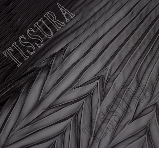 Шифон-плиссе, готовый плиссированный фрагмент «полусолнце» из легкого черного шифона #1